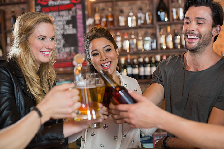 The 10 Best Sports Bars in Alaska!