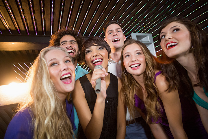 The 8 Best Karaoke Bars in Arkansas!