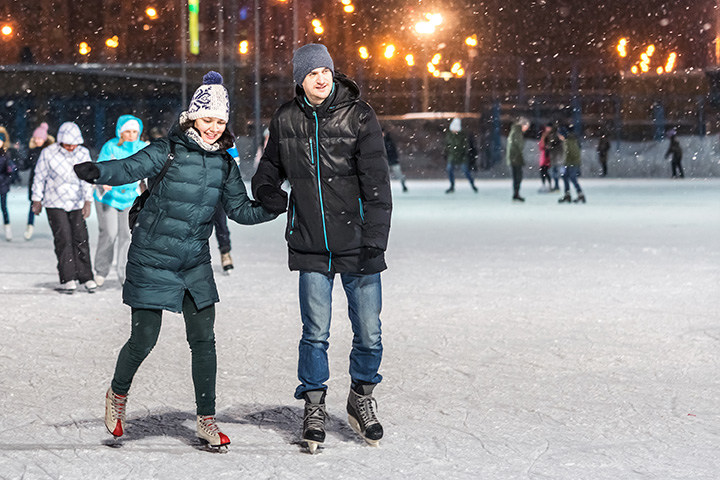 10 Best Ice Skating Rinks in Colorado!