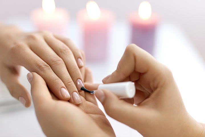 The 10 Best Nail Salons in Connecticut!