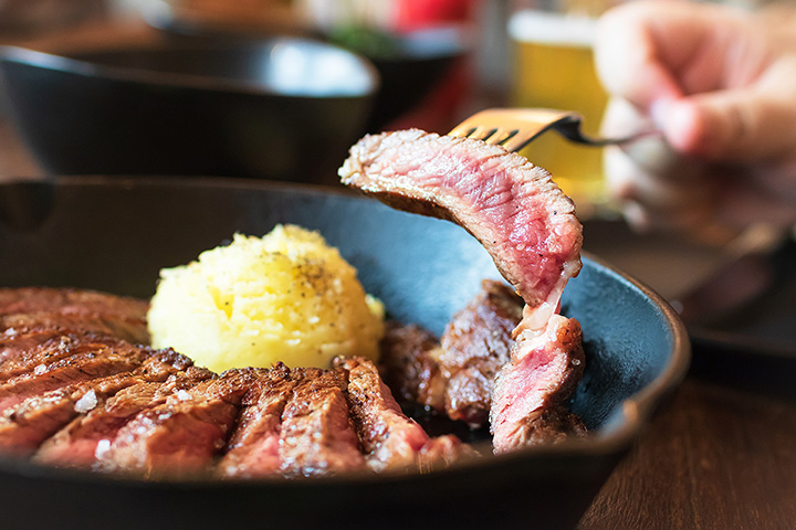 The 10 Best Steakhouses in Connecticut!
