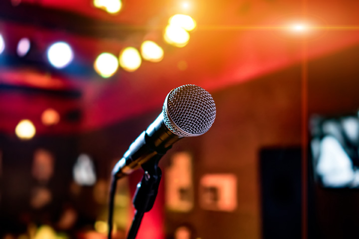 The 8 Best Comedy Clubs in Hawaii!