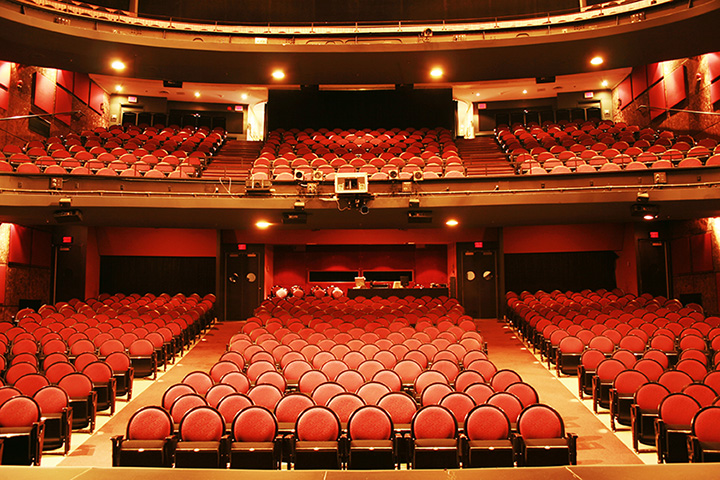 The 6 Best Historic Theaters in Hawaii!