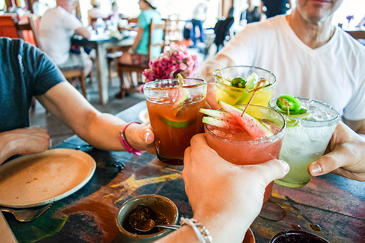 The 10 Best Places for Margaritas in Hawaii!