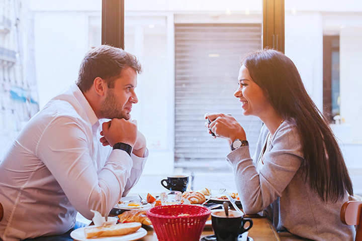 The 9 Best First Date Locations in Iowa!