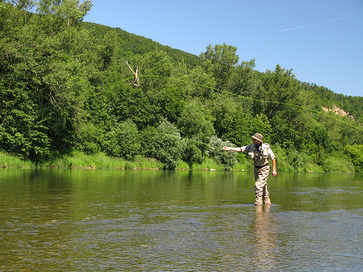 The 5 Best Fly-Fishing Spots in Iowa!