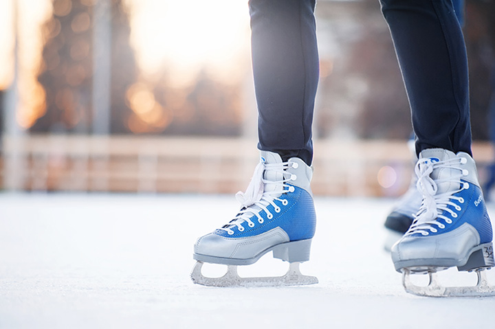 10 Best Ice Skating Rinks in Iowa!