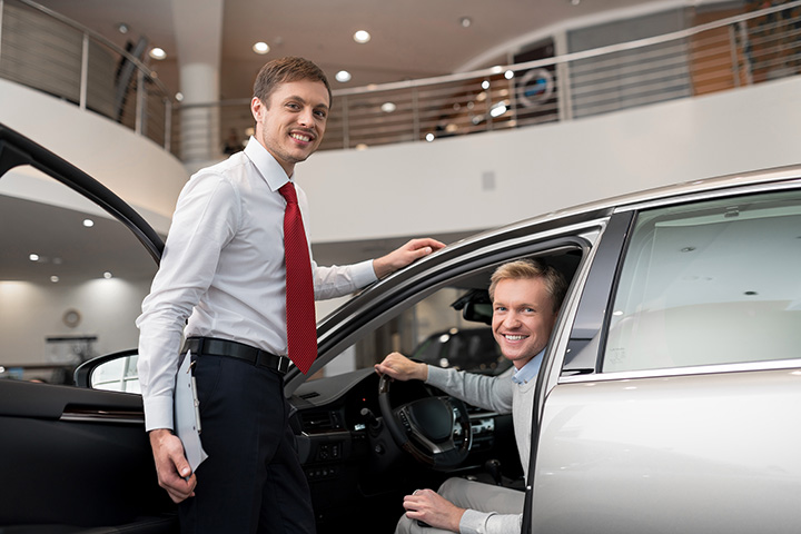 The 9 Best Luxury Car Dealerships in Iowa!
