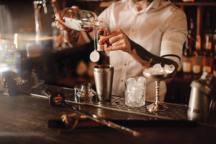 The 6 Best Speakeasies in Iowa!