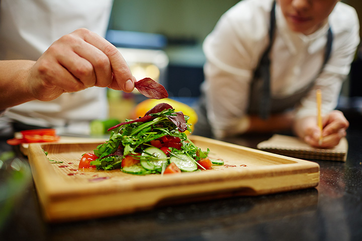 The 10 Best Cooking Classes in Idaho!