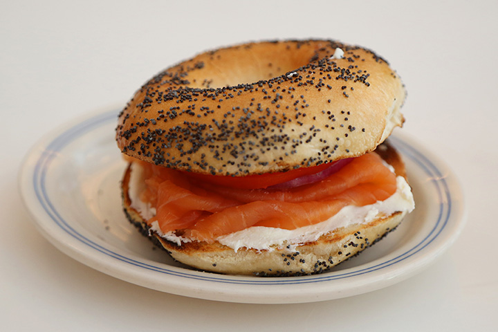 The 10 Best Bagel Shops in Illinois!