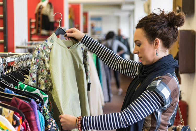The 11 Best Thrift Stores in Illinois!