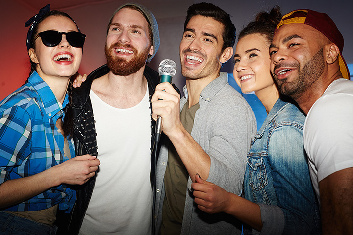 The 10 Best Karaoke Bars in Indiana!