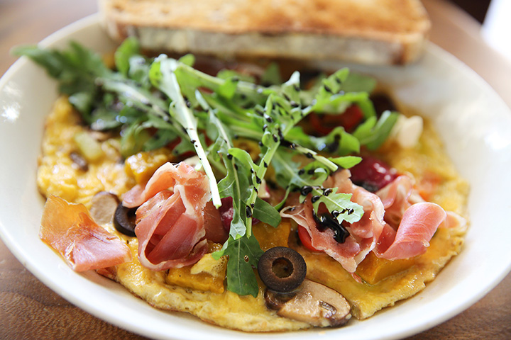 The 10 Best Omelets in Kansas!