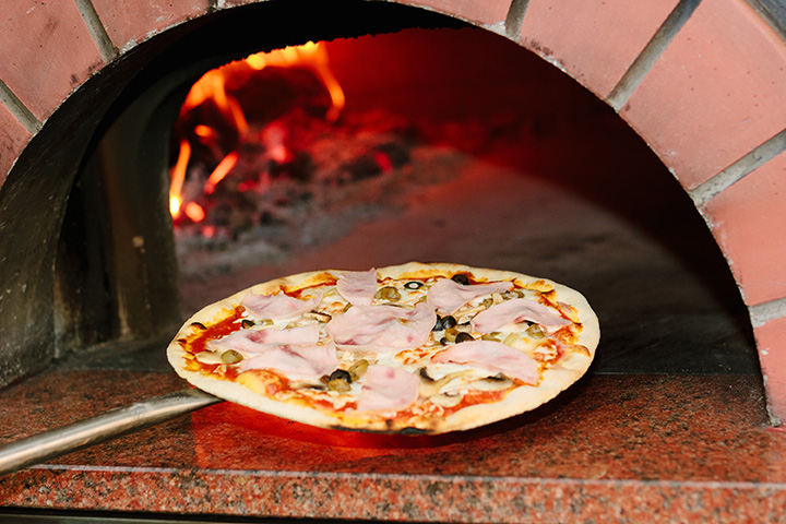 Best Pizza in Massachusetts:  Our 10 Favorites!