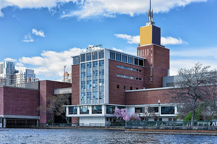 The 9 Best Science Centers in Massachusetts!