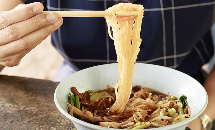 The 9 Best Spots for Noodles in Maine!