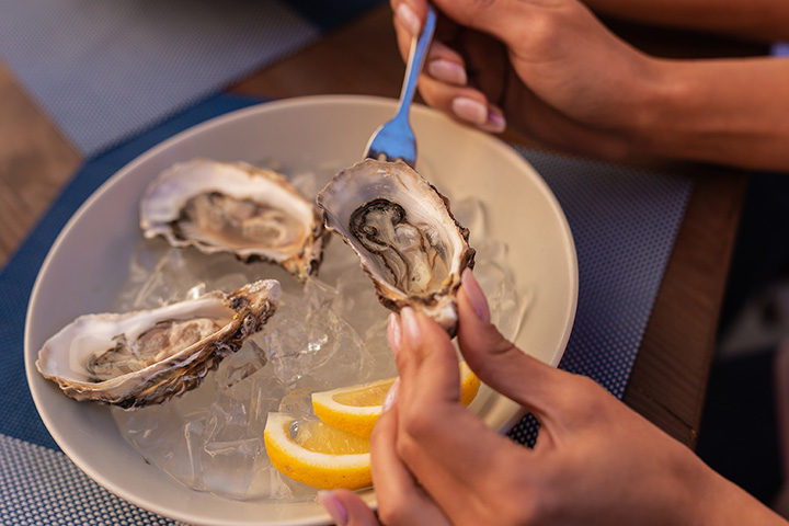 The 10 Best Places for Oysters in Maine!