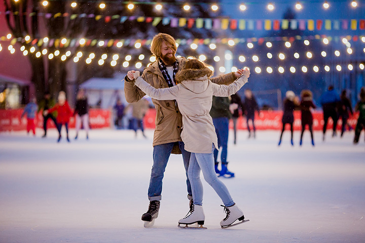 The Best Places to Ice Skate in Missouri!