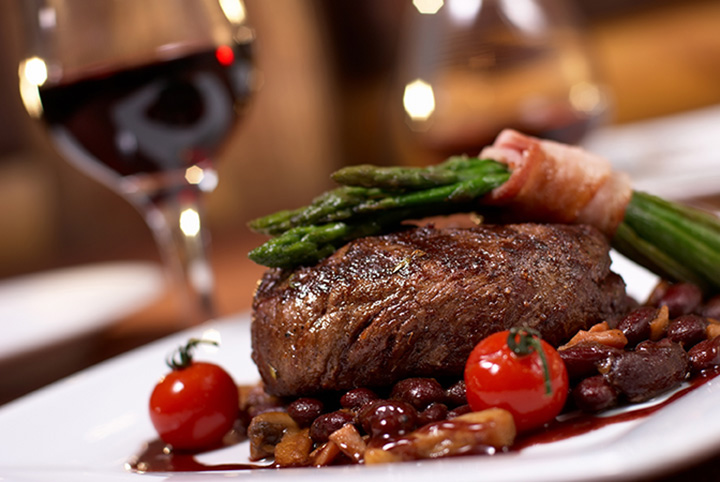 The 10 Best Steakhouses in Missouri!