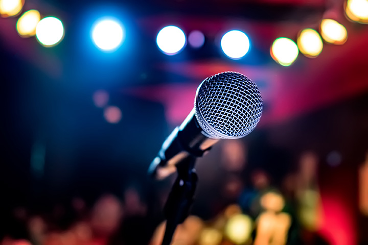 The 10 Best Karaoke Bars in North Dakota!