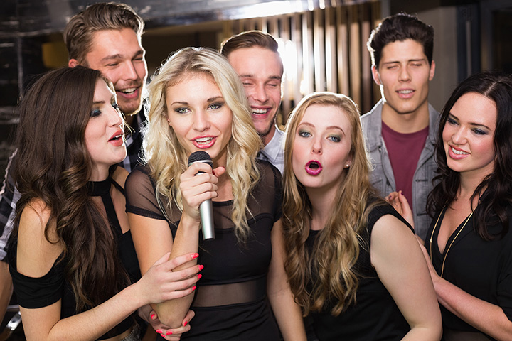 The 10 Best Karaoke Bars in New Jersey!