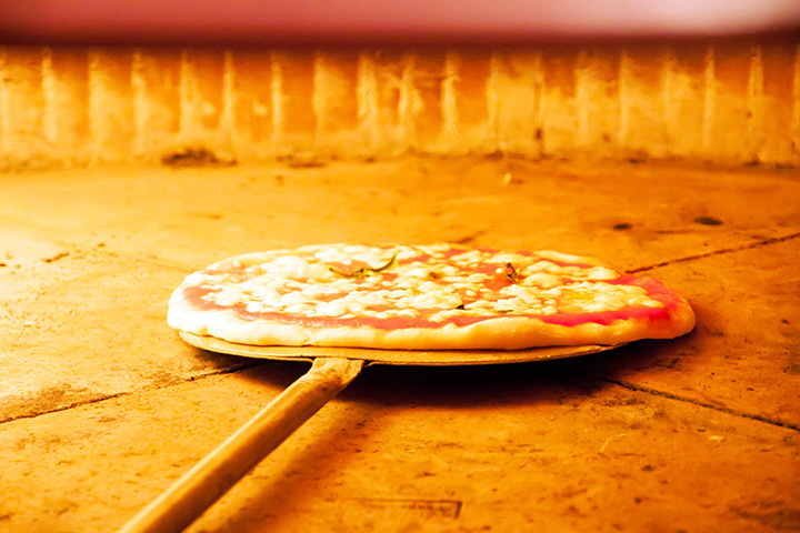 The 10 Best Pizza Restaurants in New Mexico!