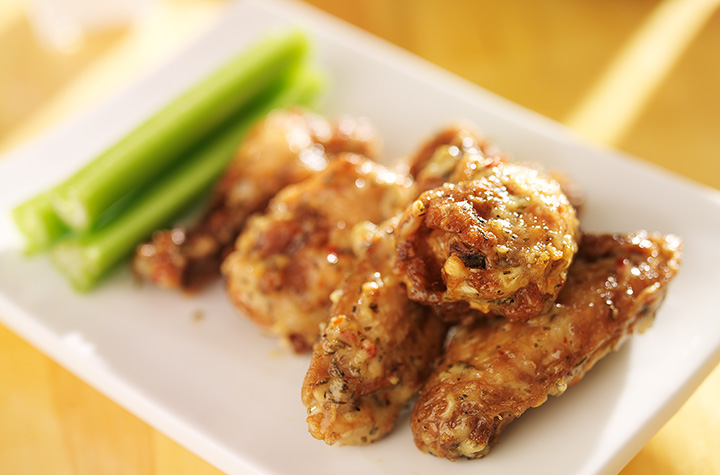 The 10 Best Spots for Wings in Oregon!