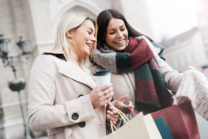 The 10 Best Holiday Shopping Destinations in Rhode Island!