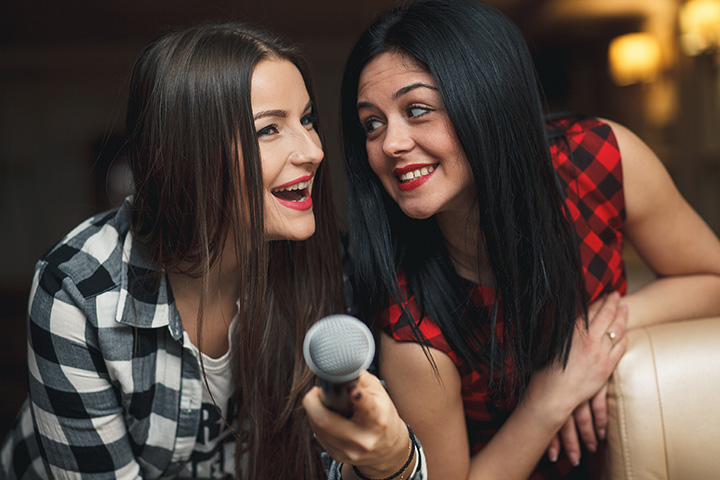The 10 Best Karaoke Bars in South Carolina!