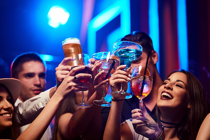 The 9 Best Bars to Celebrate the New Year in South Carolina!