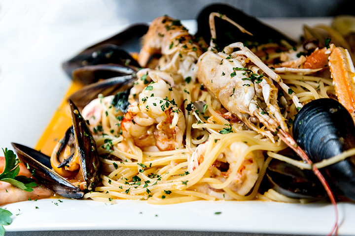 The 10 Best Seafood Restaurants in South Carolina!