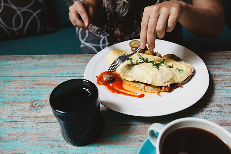 The 10 Best Omelets in Tennessee!