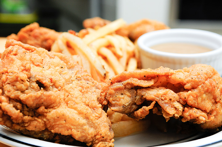 The 10 Best Places for Fried Chicken in Virginia!