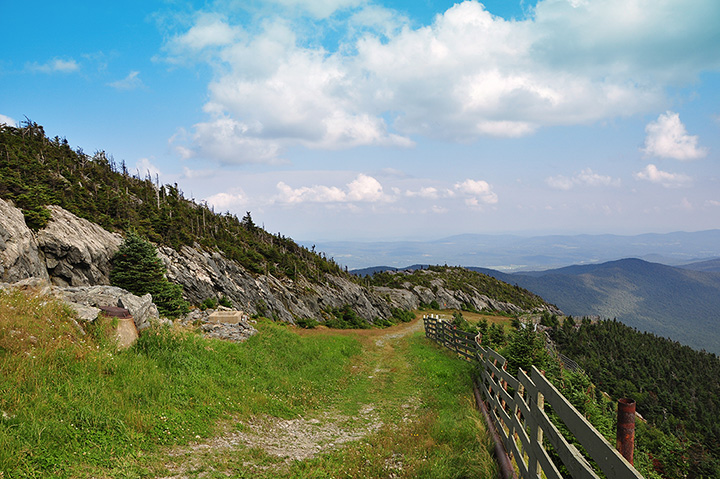 The 13 Best Hiking Trails in Vermont!