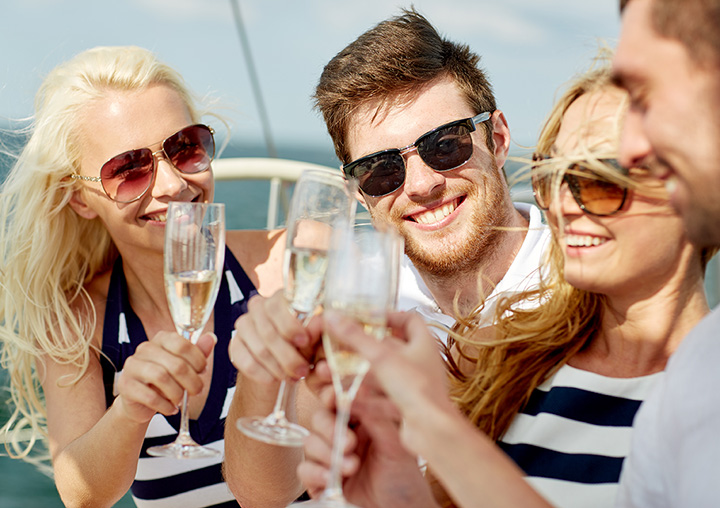 The 10 Best Booze Cruises in Wisconsin!