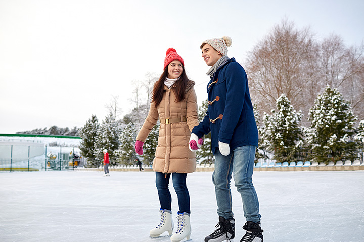 The 10 Best Ice Skating Rinks in Wisconsin!