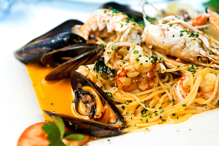 The 10 Best Seafood Restaurants in Wisconsin!