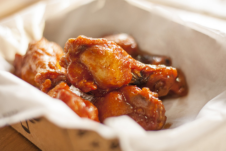 The 9 Best Spots for Wings in Wisconsin!