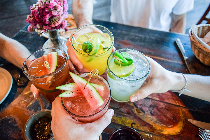 The 10 Best Cocktail Bars in West Virginia!