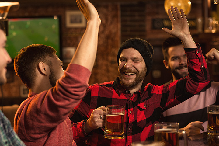 The 10 Best Sports Bars in Wyoming!